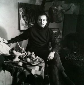 Portrait de Baron-Renouard dans son atelier avec les éléments qui composent ses nature morte